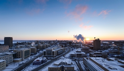 Stay Warm! Photo by Jeff Miller, UW Photo Library